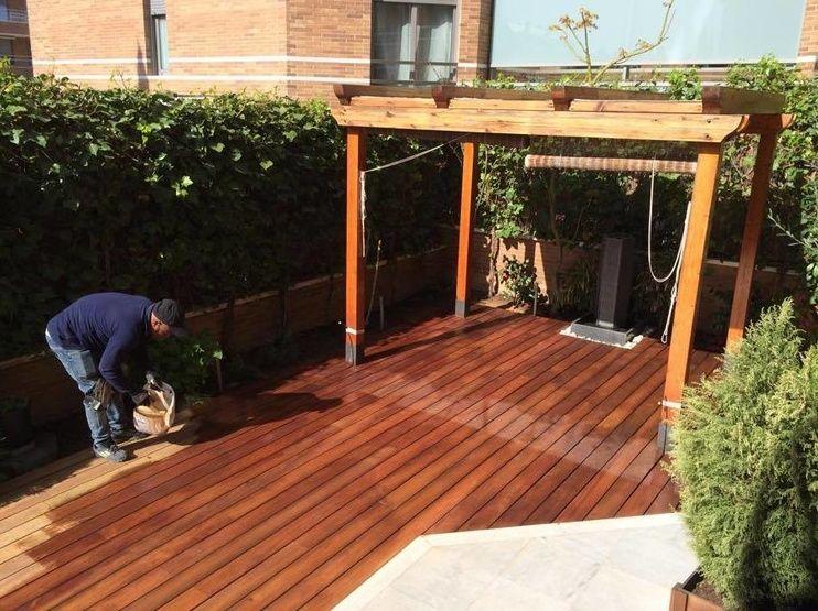 Mantenimiento de tarima exterior de madera en Madrid