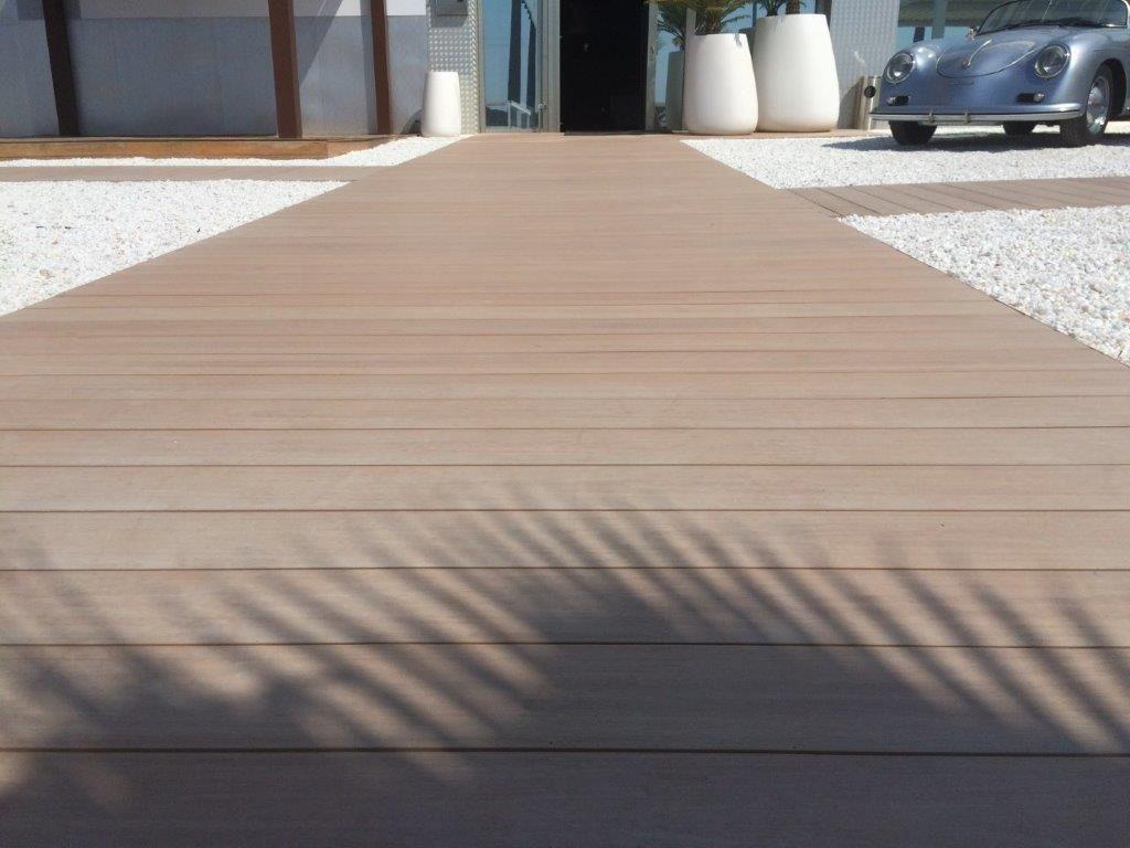 Instalación de tarima tecnológica en RMM en Ibiza